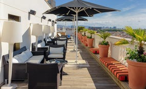 Sunset Lounge bar en la terraza-mirador