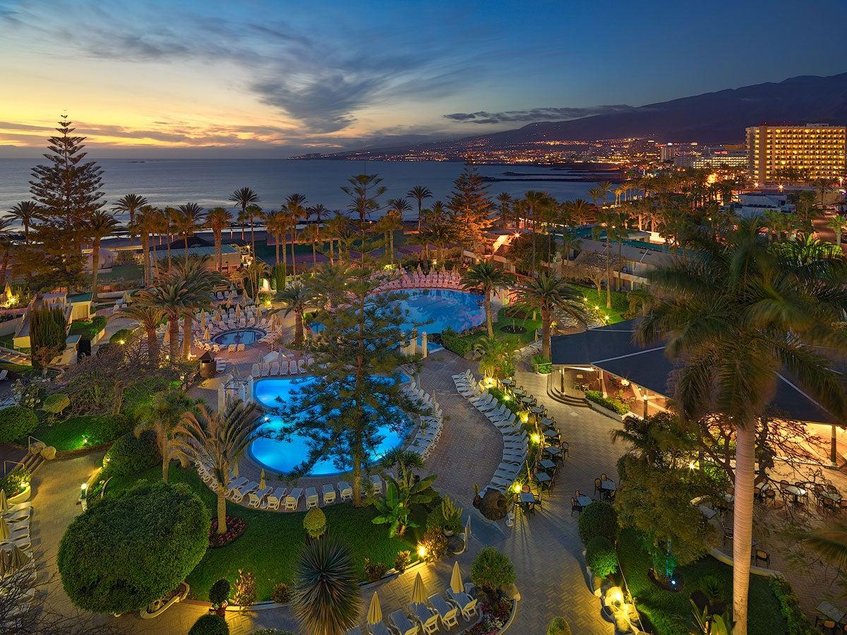 H10 las palmeras hotel in playa de las am ricas h10 hotels - Piscina playa ...