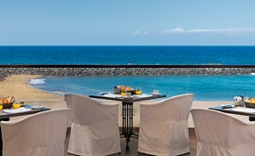 El Mirador à la carte grill: spectacular seafront terrace