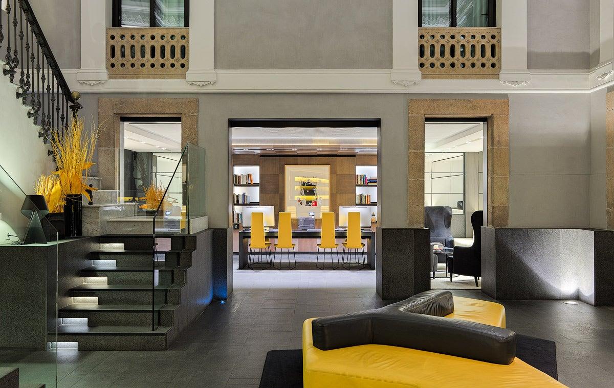H10 urquinaona plaza hotel in urquinaona square barcelona - Hotel el jardi barcelona ...