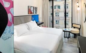 Habitación Doble con balcón francés