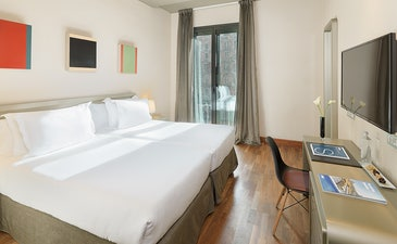Double Room (twin beds)