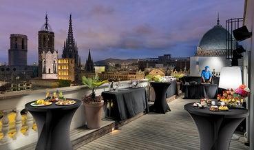 Cocktails auf der Terrasse