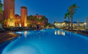 Night view of the hotel and the swimming pool