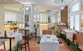 Restaurante The Library