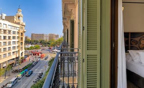 Views of Rambla Catalunya and Plaça Catalunya from the room