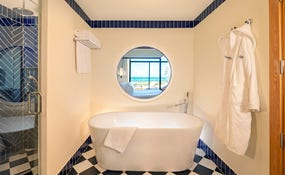 Tub Royal Master Suite