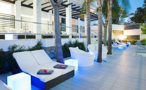 Privilege outdoor terrace al capvespre