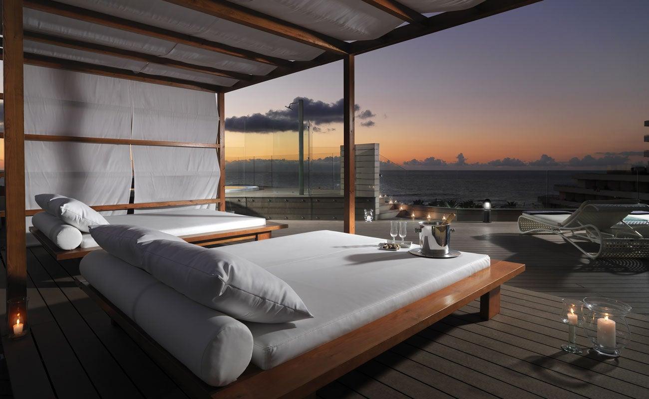 H10 conquistador hotel in tenerife playa de las for Designhotel teneriffa