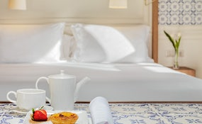 Welcome Petit Fours on Superior, Deluxe and Suite Rooms