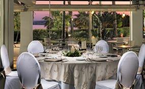 Montage banquet dans le restaurant Thalassa