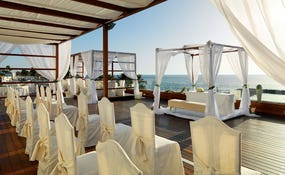 Montaje para boda en la terraza del Sunset Chill-Out Bar