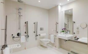 Badezimmer des Zimmers
