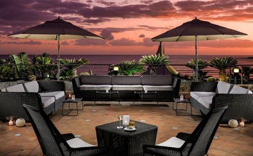 Terraza Chill-Out Tropical al anochecer (¡Nueva!)
