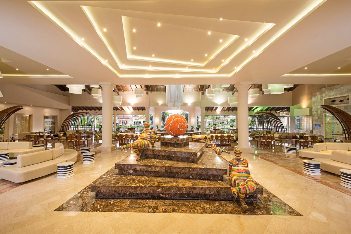 Ocean blue sand hotel in punta cana h10 hotels for Hotels genes