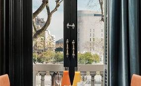 Detalle desayuno Restaurante 1892 con vistas a Pl. Catalunya