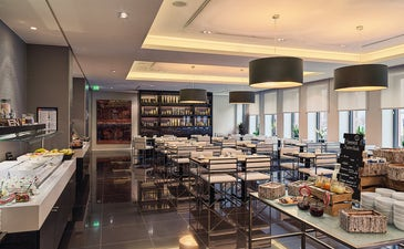 Esmorzar buffet al restaurant Salt & Pepper
