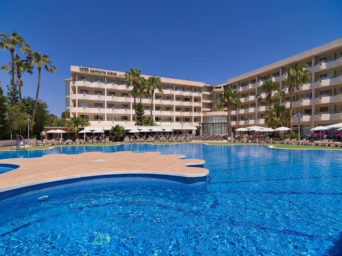 H10 cambrils playa fotograf as y v deos h10 hotels for Follando en la piscina del hotel