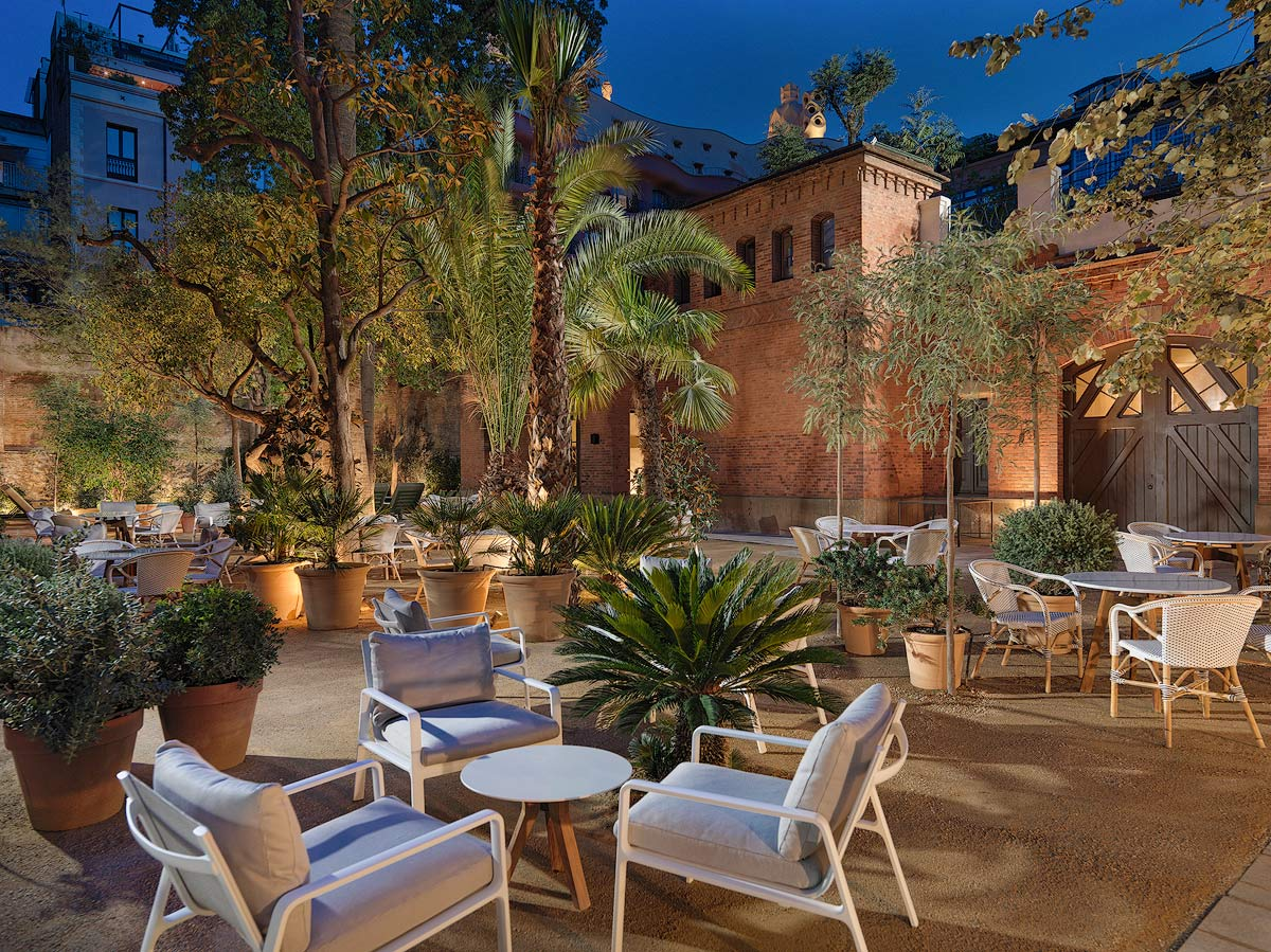 H10 casa mimosa restaurants and bars h10 hotels for Alquiler casa jardin barcelona