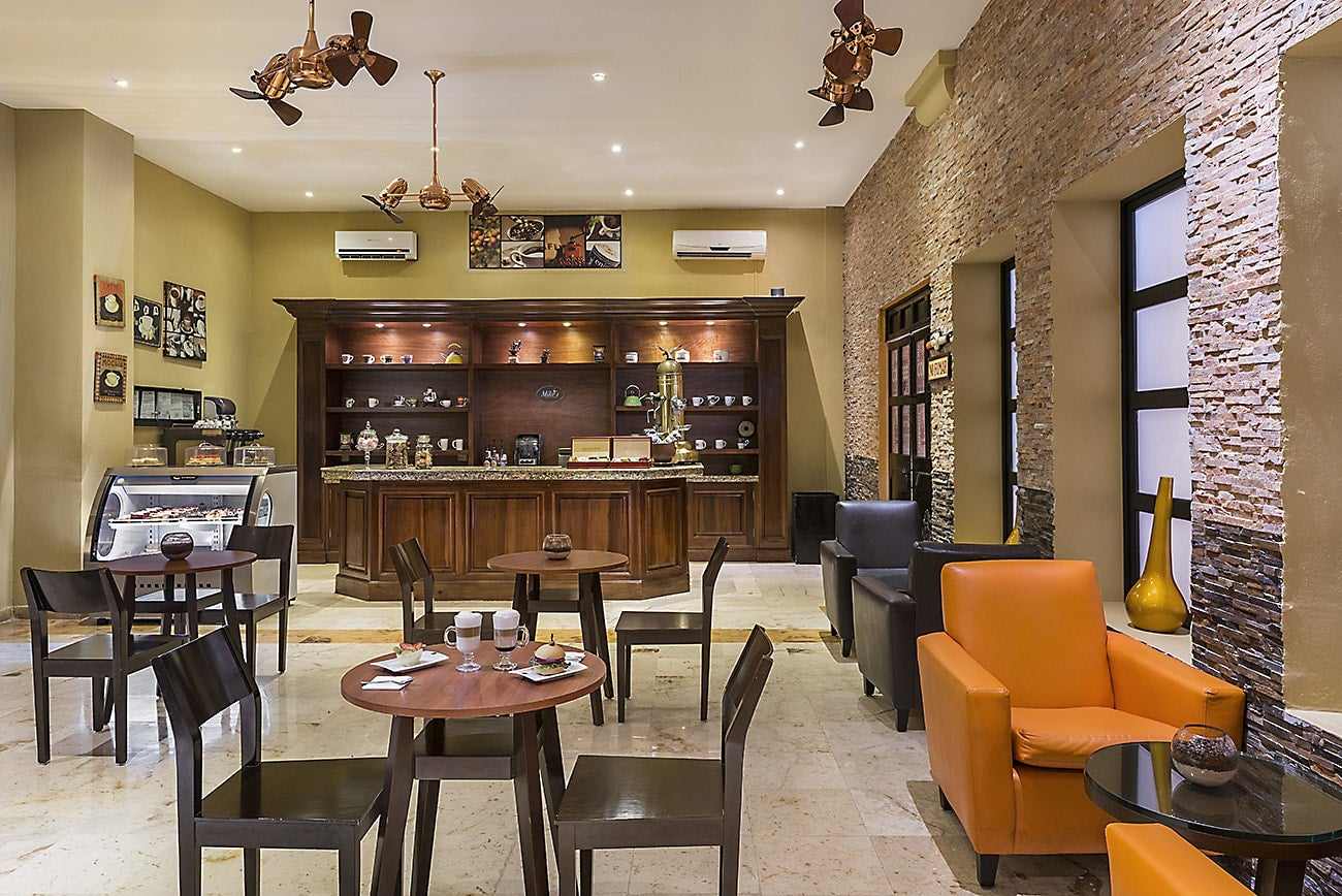 Ocean maya royale ristorante e bar h10 hotels for Hotels genes