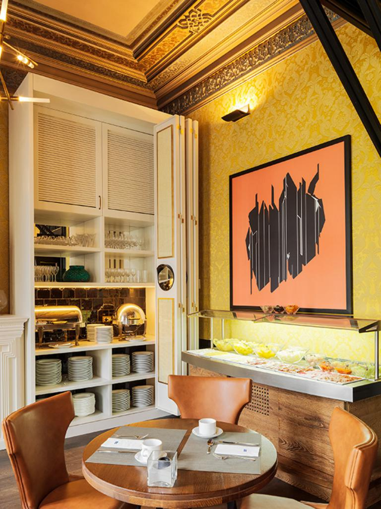 H10 catalunya plaza boutique hotel restaurants and bars for Hotel design genes