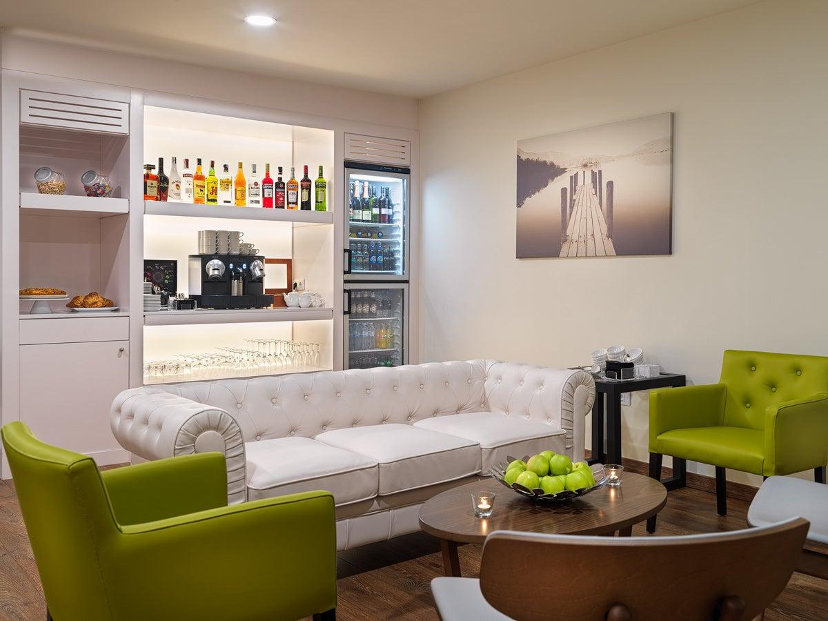 h10 las palmeras privilege h10 hotels. Black Bedroom Furniture Sets. Home Design Ideas